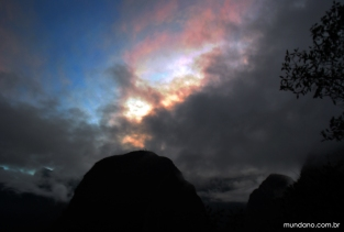 A trilha no amanhecer