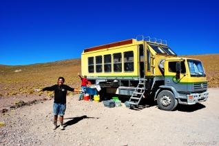 Caminhãozinho e o staff da Grado 10