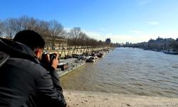 Dani fotografando o Sena