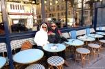 Um das dezenas (ou talvez centenas) de bares e restaurantes do bairro de Montmartre