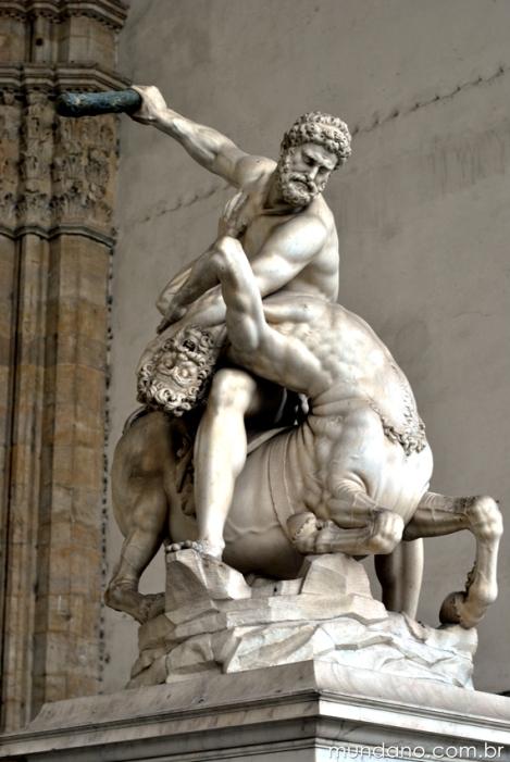 Escultura exposta na Piazza della Signoria