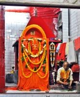 Brahmin que cuida do templo de Ganesha perto do Puja Ghest House